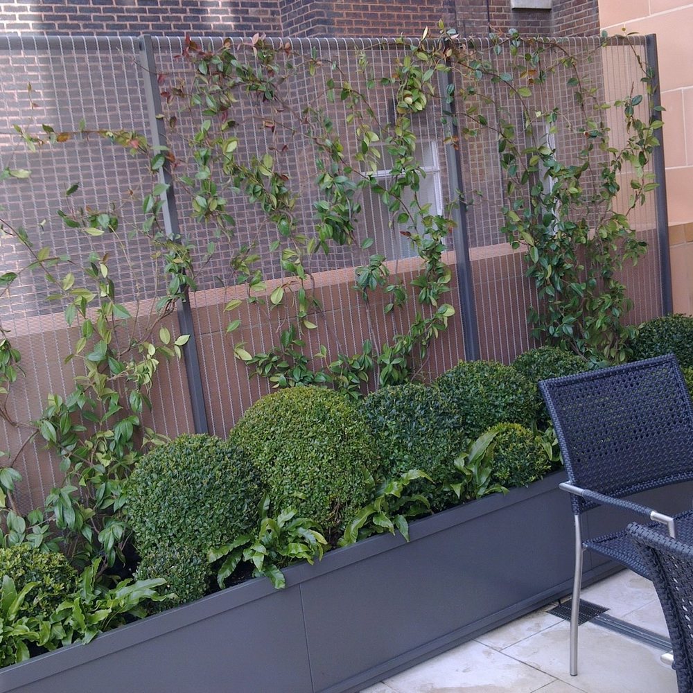 Trellis panels free standing and trough planters outdoor for Free standing garden trellis designs